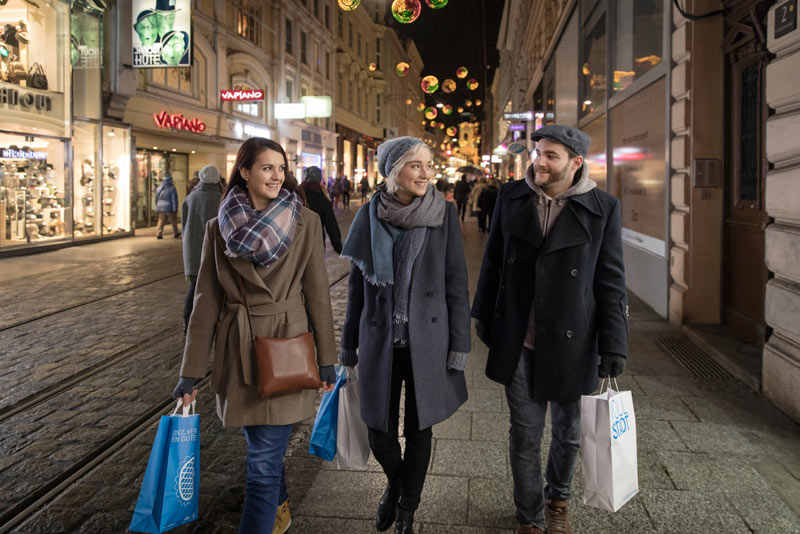 Advent Shopping Einkaufen in Linz c linztourismus Robert Josipovic