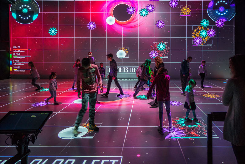 Kinder im Ars Electronica Deep Space c Robert Bauernhansl